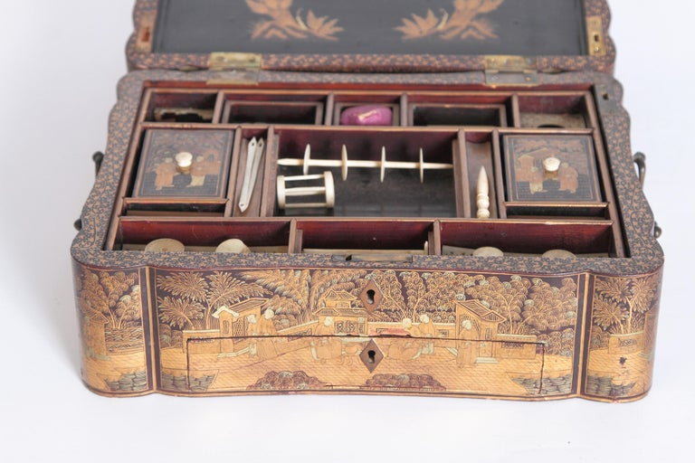 19th Century Chinese Export Chinoiserie Lacquer Sewing Box For Sale 11