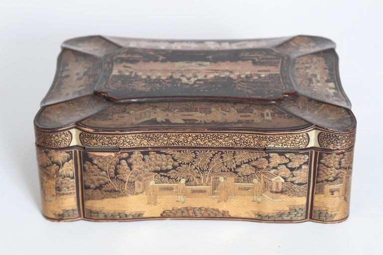 19th Century Chinese Export Chinoiserie Lacquer Sewing Box For Sale 3