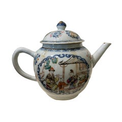 19th Century Chinese Export Chinoiserie Lidded Teapot