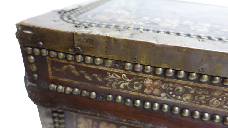 19th Century Chinese Export Hand-Painted Leather Trunk For Sale 2
