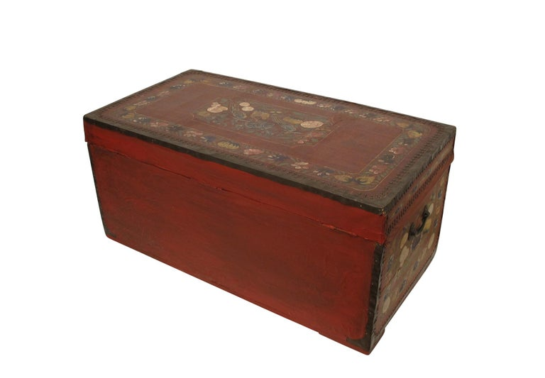 19th Century Chinese Export Hand-Painted Red Leather Trunk For Sale 4