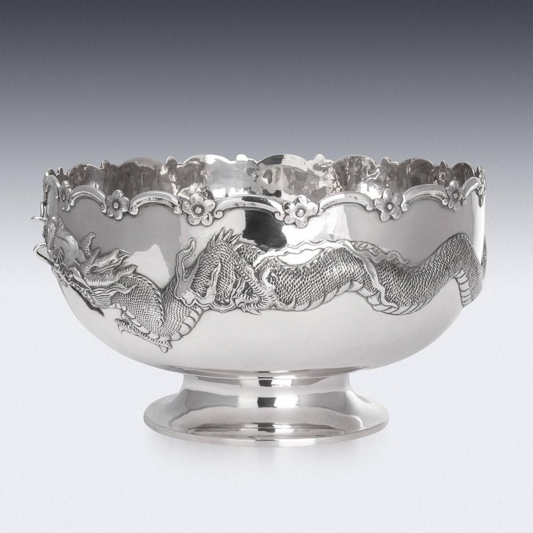 19th Century Chinese Export Solid Silver Dragon Bowl, Tuck Chang, c.1880 In Good Condition For Sale In London, London