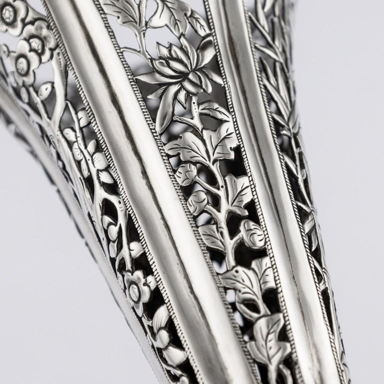 19th Century Chinese Export Solid Silver Dragon Epergne, Hung Chong & Co c 1890 For Sale 7