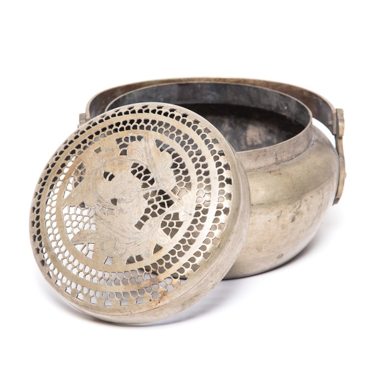 19th Century Chinese Floral Incised Brass Brazier For Sale 1