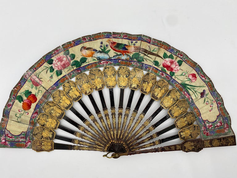 19th Century Chinese Gilt Lacquer Fan with Mother of Pearl Faces and Lacquer Box For Sale 4
