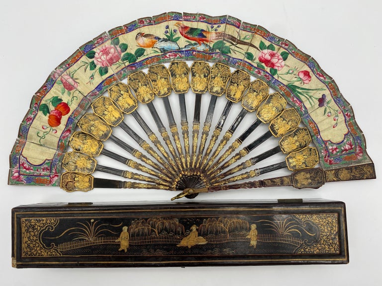 Qing 19th Century Chinese Gilt Lacquer Fan with Mother of Pearl Faces and Lacquer Box For Sale