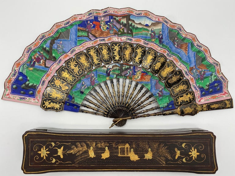 Hand-Carved 19th Century Chinese Gilt Lacquer Fan with Mother of Pearl Faces and Lacquer Box For Sale