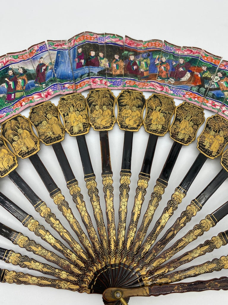 19th Century Chinese Gilt Lacquer Fan with Mother of Pearl Faces and Lacquer Box For Sale 2