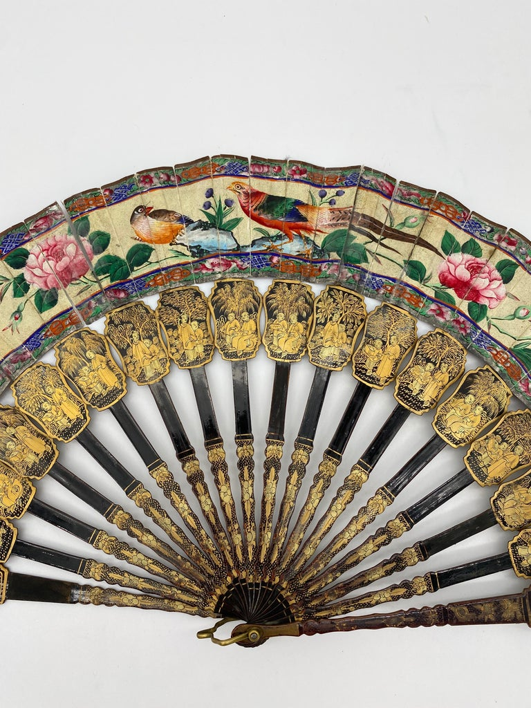 19th Century Chinese Gilt Lacquer Fan with Mother of Pearl Faces and Lacquer Box For Sale 3