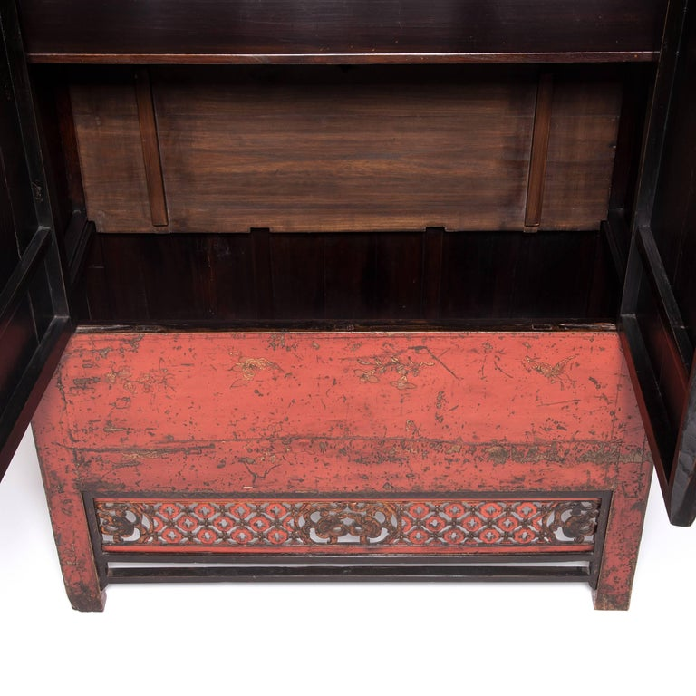 19th Century Chinese Gilt Red Lacquered Cabinet In Good Condition For Sale In Chicago, IL