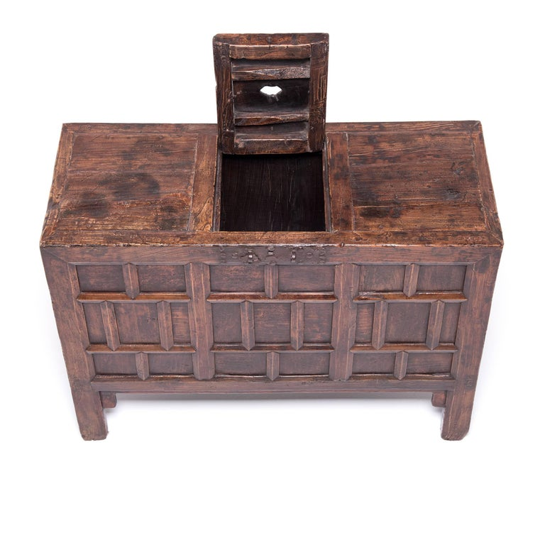19th Century Chinese Keeper's Chest For Sale 1