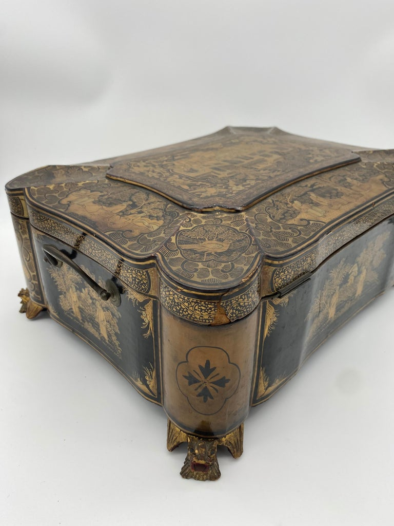 19th Century 14.25'' Large Chinese Lacquer Sewing Box For Sale 6