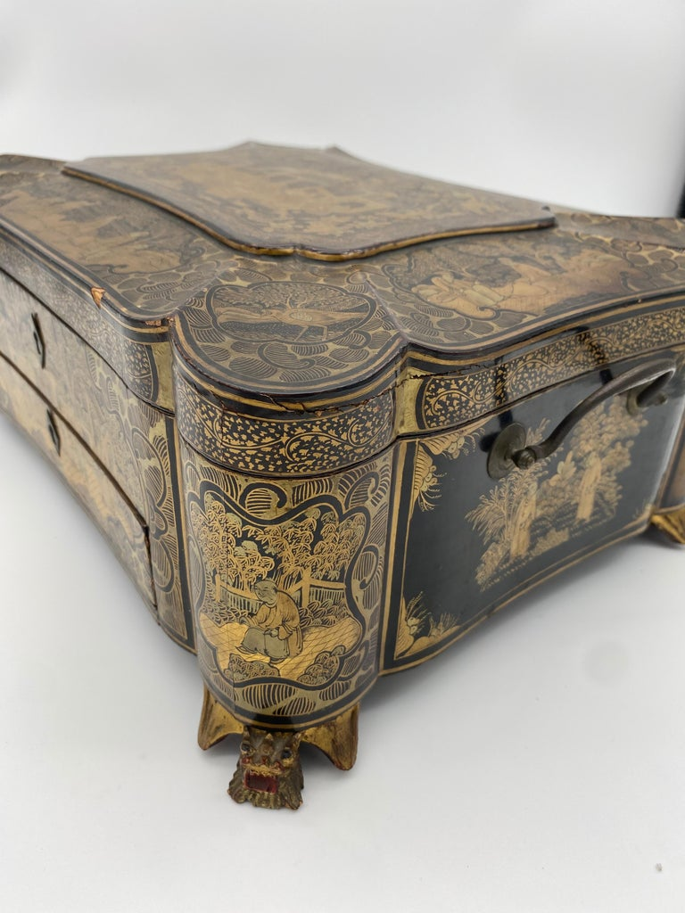 19th Century 14.25'' Large Chinese Lacquer Sewing Box For Sale 7