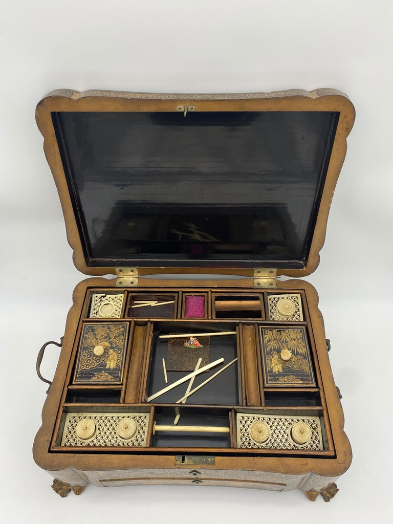 Lacquered 19th Century 14.25'' Large Chinese Lacquer Sewing Box For Sale