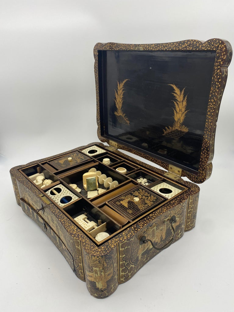 14 inch 19th Century Chinese Lacquer Sewing Box For Sale 1