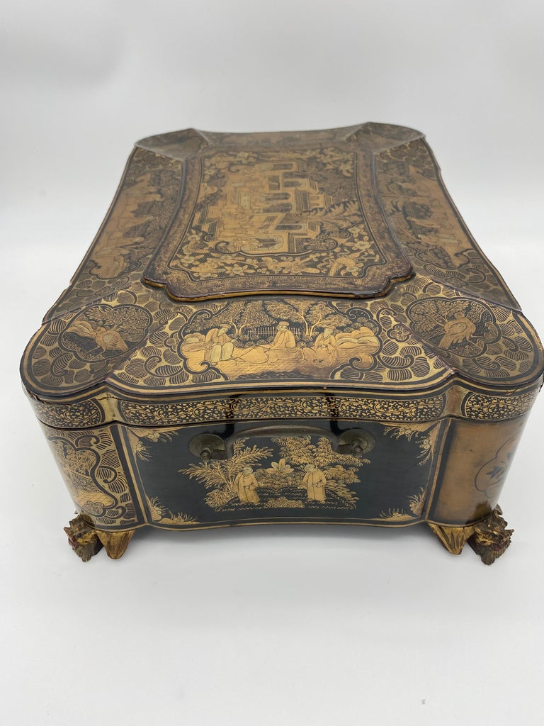 19th Century 14.25'' Large Chinese Lacquer Sewing Box For Sale 2