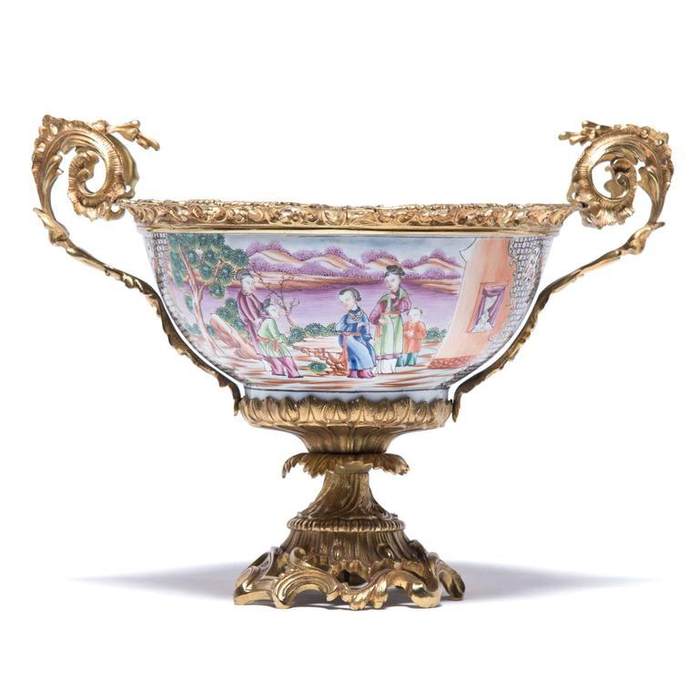 Chinese Export 19th Century Chinese Porcelain and French Ormolu Centerpiece For Sale