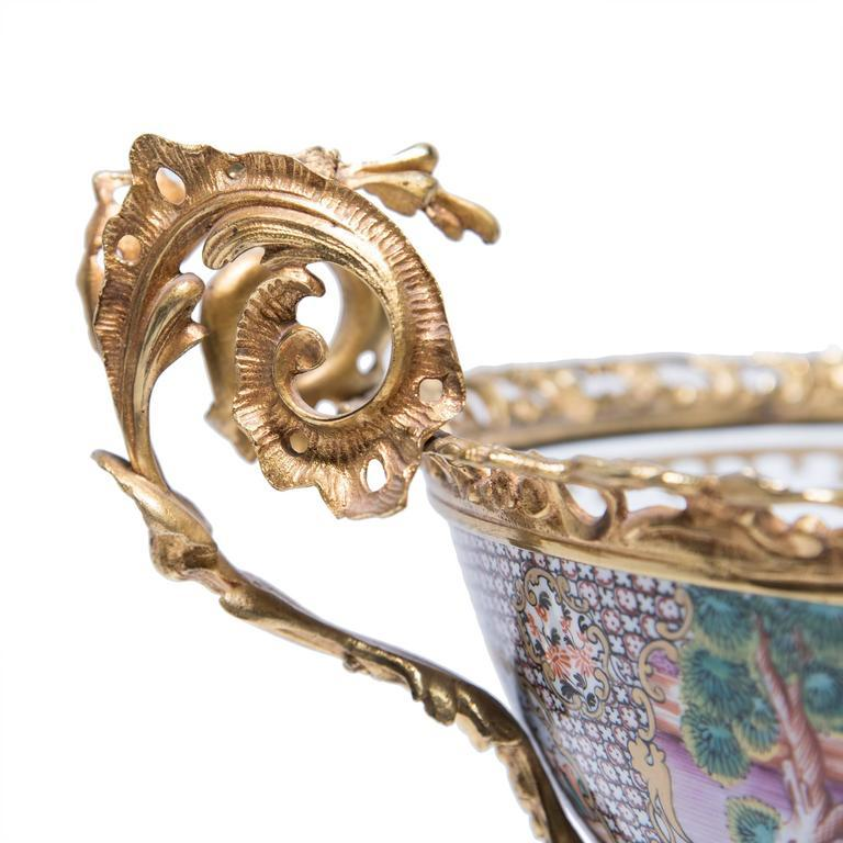19th Century Chinese Porcelain and French Ormolu Centerpiece For Sale 2