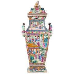 19th Century Chinese Rose Medallion Lidded Vase