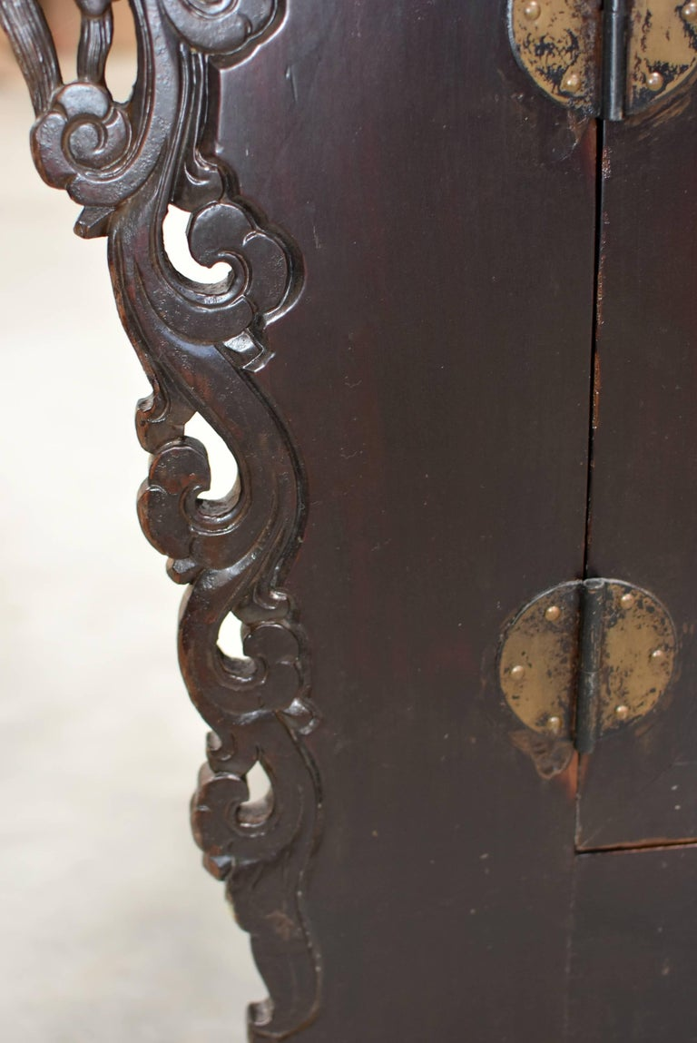 19th Century Chinese Sideboard Chest For Sale 6