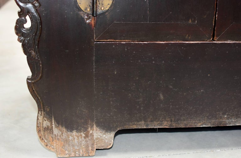 19th Century Chinese Sideboard Chest For Sale 7