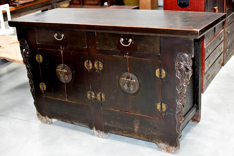 19th Century Chinese Sideboard Chest In Good Condition For Sale In Somis, CA