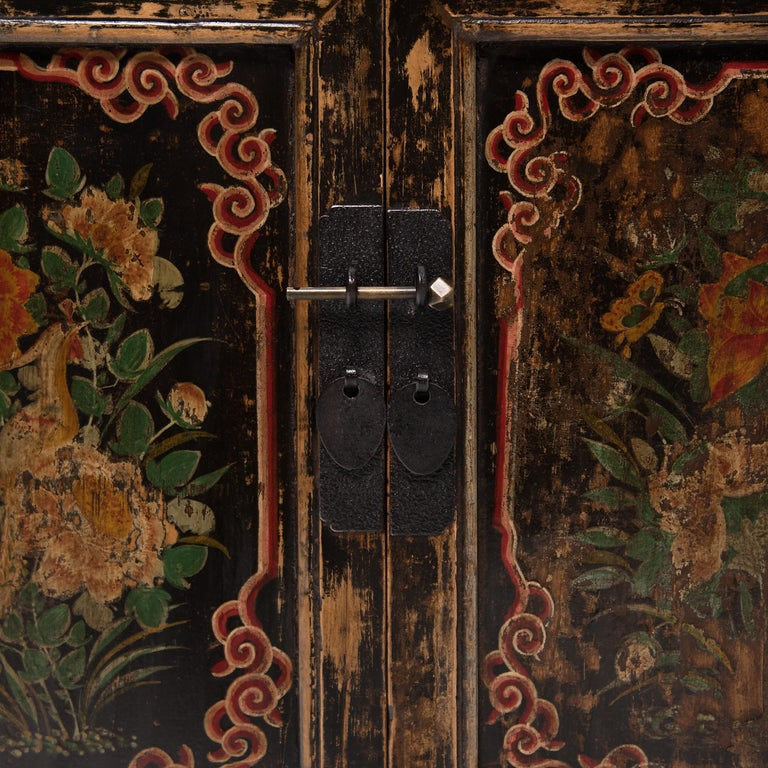19th Century Chinese Two-Door Painted Chest For Sale 2