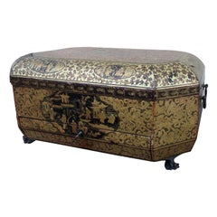 19th Century Chinoiserie Lacquer Box