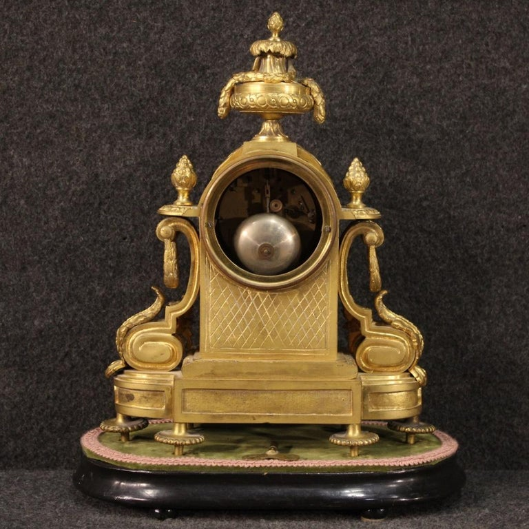 19th Century Chiseled, Gilded Bronze and Brass and Ceramic Italian Clock, 1870 In Good Condition For Sale In Vicoforte, Piedmont