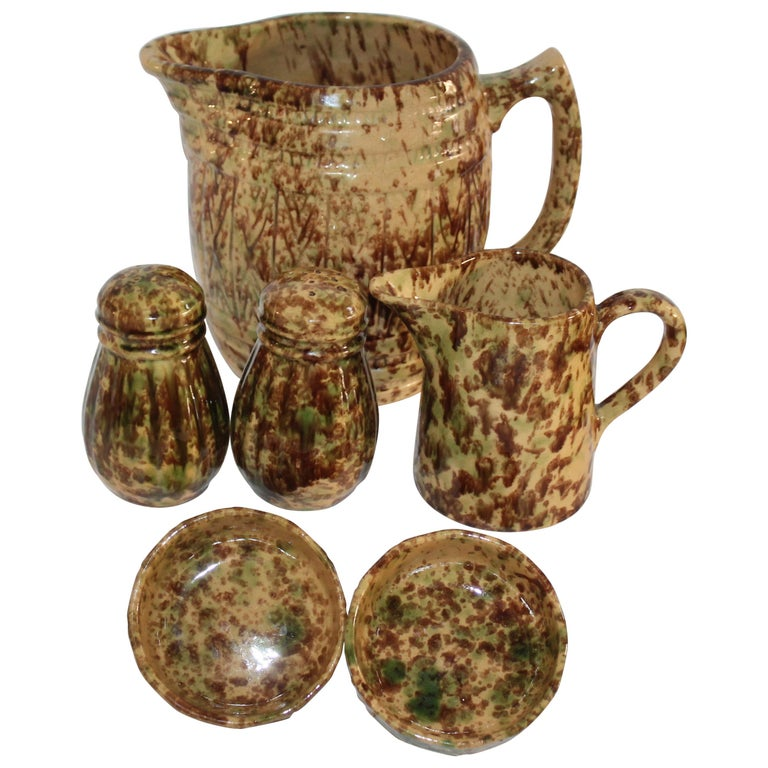 19th Century Collection of Bennington Pottery / 6 Pieces For Sale