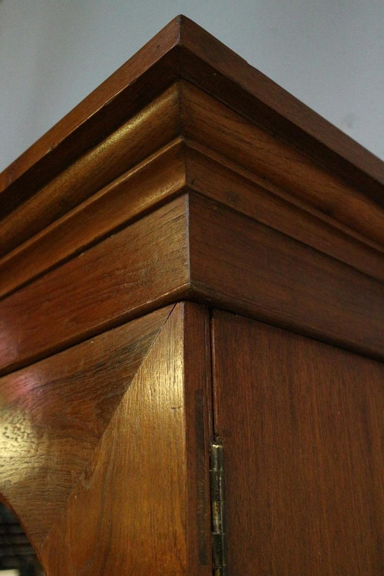 19th Century Colonial Teak 2-Door bookcase In Good Condition For Sale In Eindhoven, NL