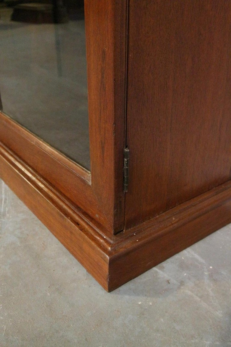 19th Century Colonial Teak 2-Door bookcase For Sale 1