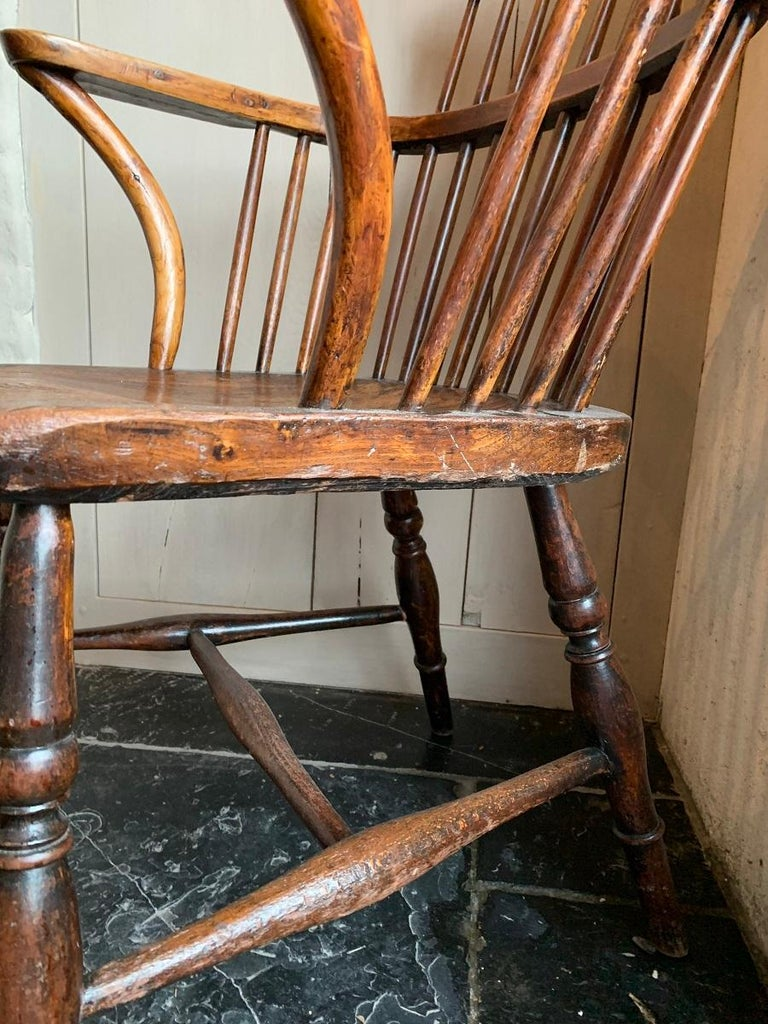 19th Century Comb Back Windsor Chair For Sale 6