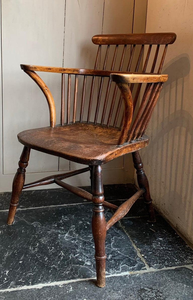 19th Century Comb Back Windsor Chair For Sale 8