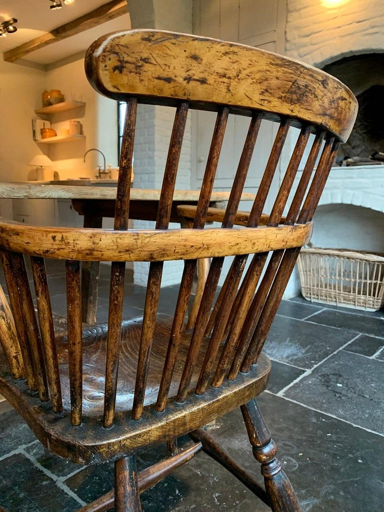 19th Century Comb Back Windsor Chair For Sale 2