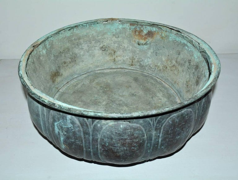 Very handsome copper planter/centrepiece/bowl with wonderful aged green patina, will make a wonderful centrepiece in any decor.