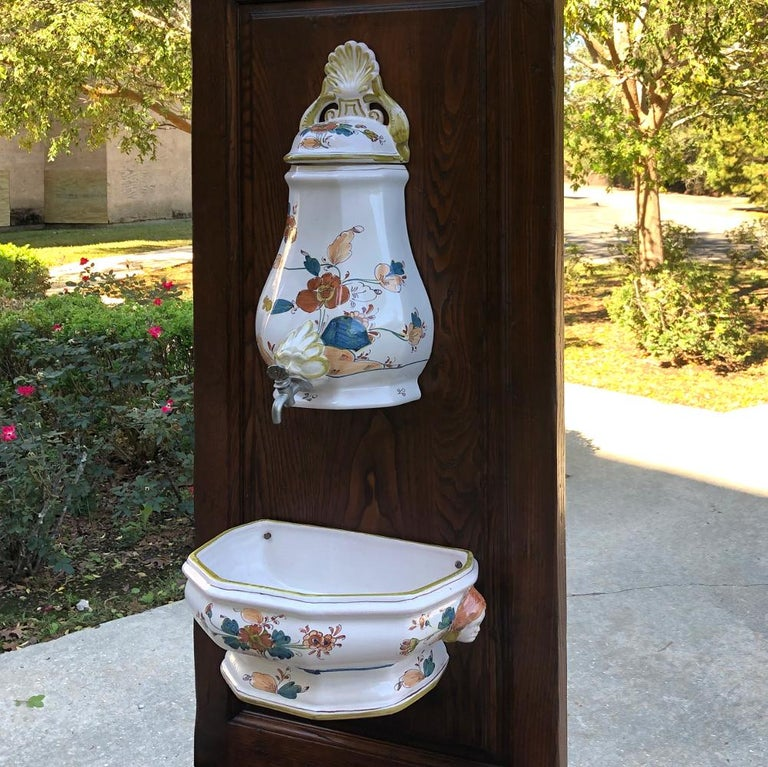 19th Century Country French Fountain with Porcelain Reservoir and Basin For Sale 2