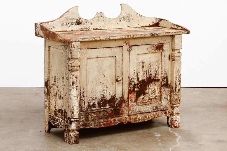 19th Century Country French Painted Washstand Cabinet  For Sale 2
