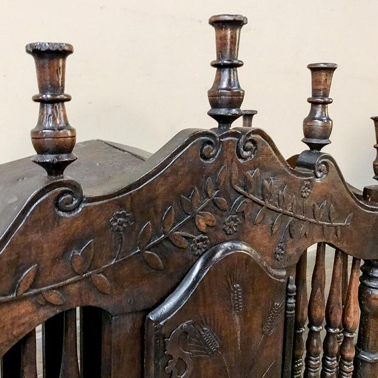 19th Century Country French Provincial Pannetiere For Sale 1