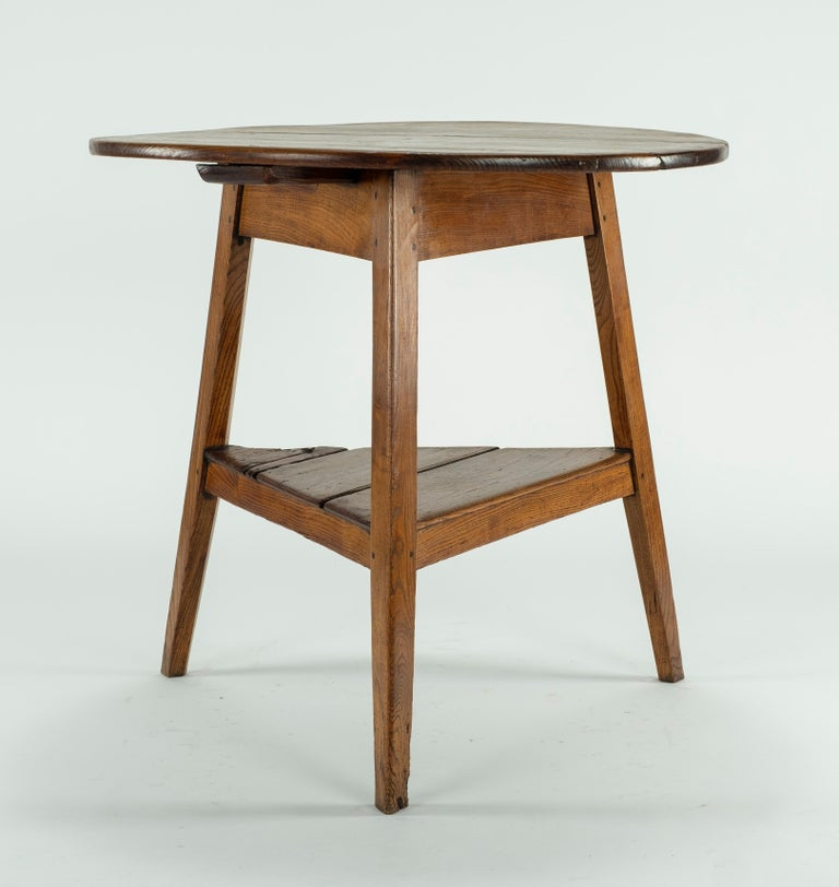 19th Century Cricket Table In Good Condition For Sale In Houston, TX