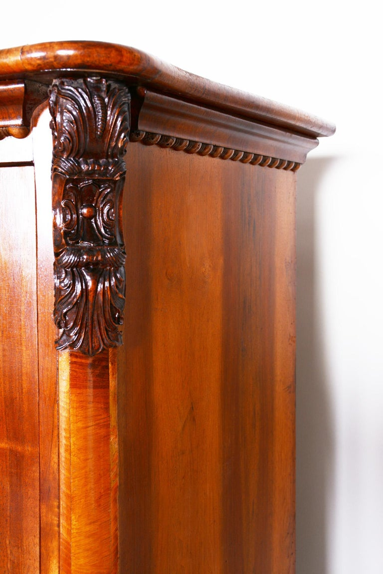 19th Century Czech One Door Biedermeier Walnut Wardrobe Cabinet, Restored, 1840s In Good Condition For Sale In Prague 1, CZ