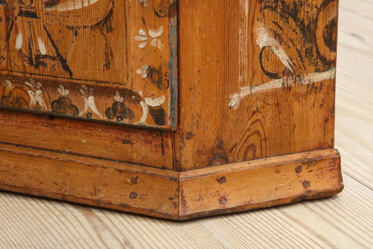 19th Century Dalarna Corner Cabinet, Sweden, Inscribed and Dated, Anno 1830 For Sale 3