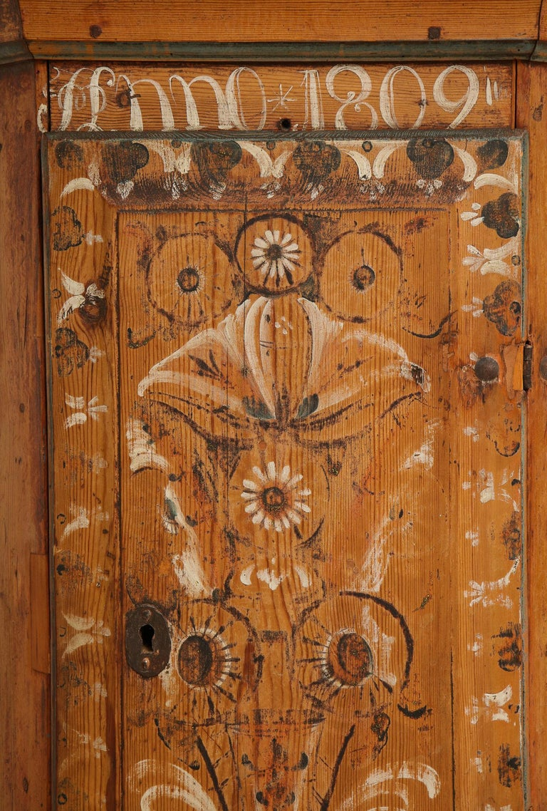 19th Century Dalarna Corner Cabinet, Sweden, Inscribed and Dated, Anno 1830 For Sale 1