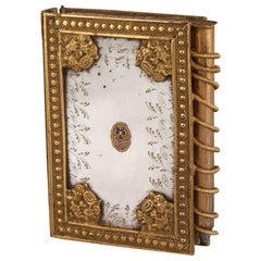 19th Century Dance Card in Mother of Pearl and Gilded Bronze, Palais-Royal Work
