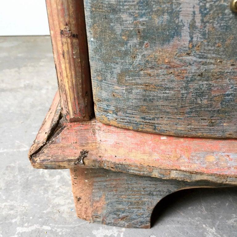 19th Century Danish Serpentine Front Chest in Original Color For Sale 4