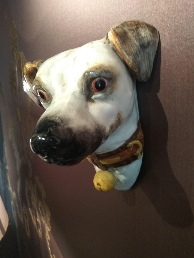 19th Century Delphin Massier Wall Mounted Ceramic Figuring a Dog In Good Condition For Sale In Paris, FR