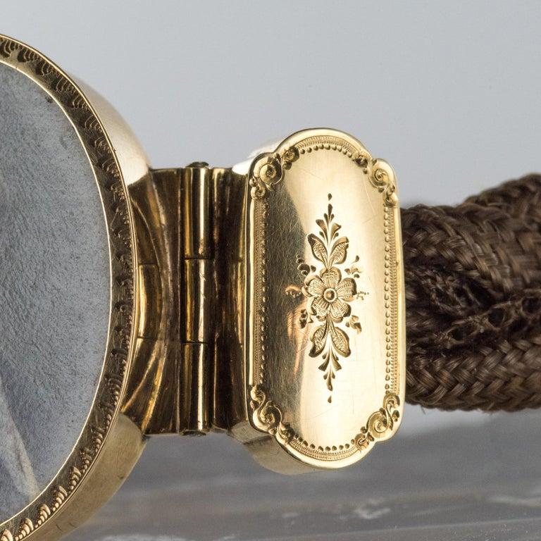19th Century Elegant Photography 18 Karat Yellow Gold Hair Bracelet For Sale 12