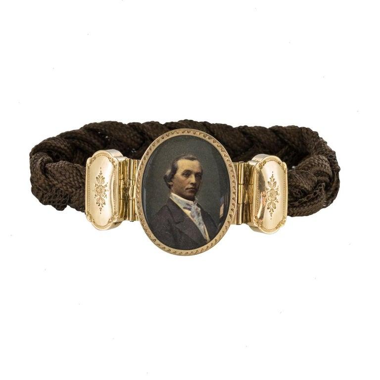 19th Century Elegant Photography 18 Karat Yellow Gold Hair Bracelet For Sale 13
