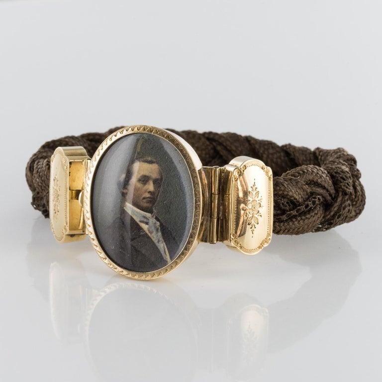 Napoleon III 19th Century Elegant Photography 18 Karat Yellow Gold Hair Bracelet For Sale