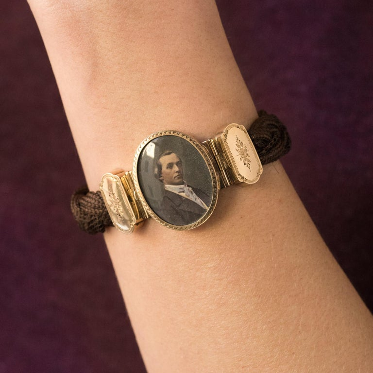 19th Century Elegant Photography 18 Karat Yellow Gold Hair Bracelet In Good Condition For Sale In Poitiers, FR